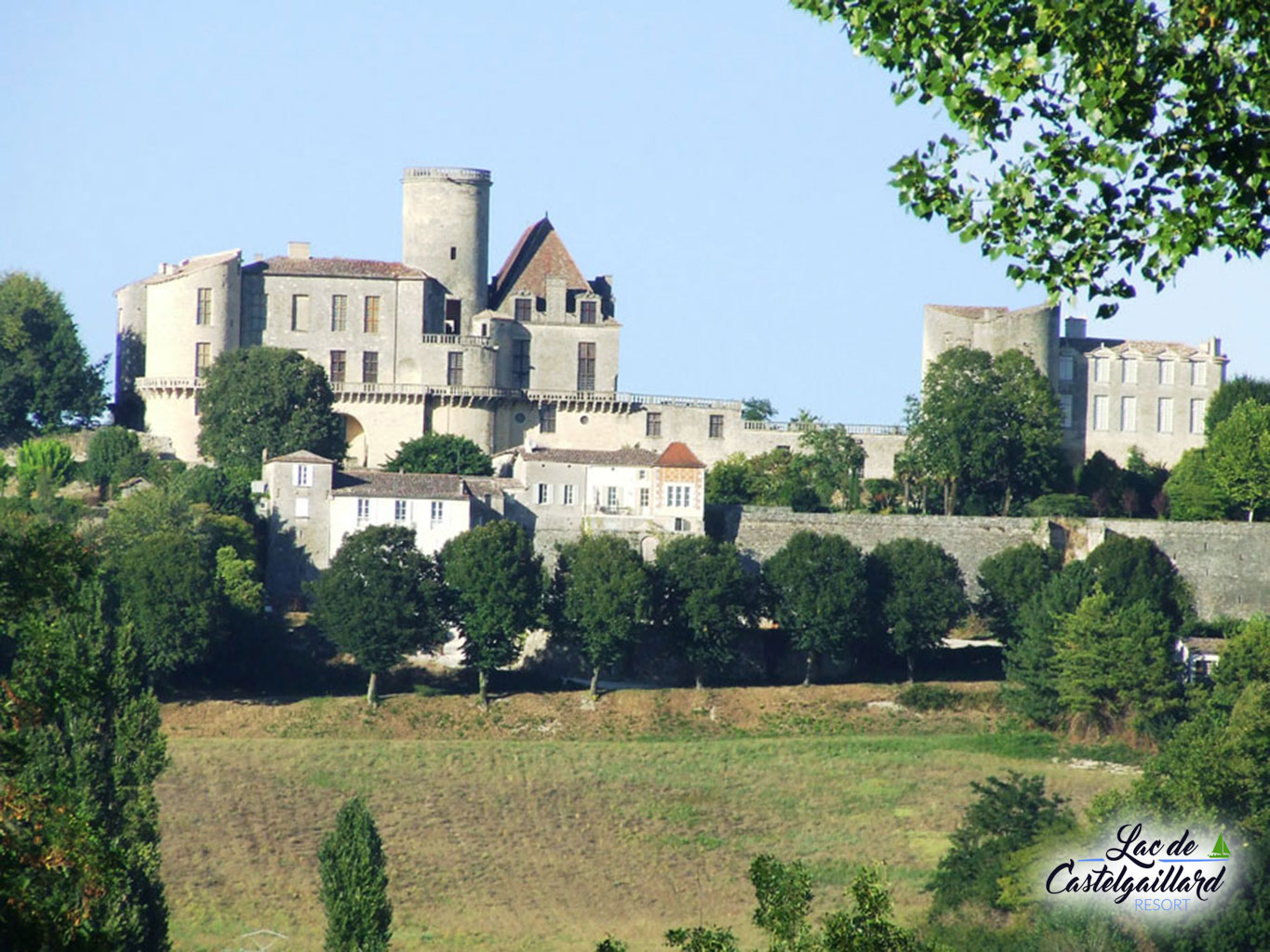chateauview_23715099393_o